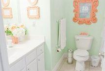 Bathrooms / by Tracy Logan