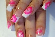 Beauty - Nails and Nail Art / The best nails, nail art designs, nail polish swatches manicures and pedicures.