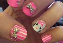 Beauty - Nail Art {Hello Kitty Nails}