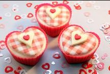 Holidays - Valentine's Day Cupcakes / The best Valentine's Day #cupcakes to add plenty of pink and red hearts and roses to your Valentine desserts and treats recipes!