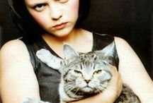 People - Celebs (and) Cats / Famous people with cats