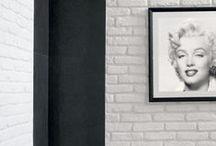 Mattoncino / COD MATT È simile ai vecchi mattoni fatti a mano che servivano per costruire in passato antichi edifici e case rurali. Viene fornito in tre colorazioni: terra, giallo tenue e bianco e con varie  stonalizzazioni sia nella versione terra che nella versione giallo tenue. Può essere utilizzato per interni ed esterni rendendo le pareti rivestite molto esclusive. È un prodotto antigelivo e ad alta resistenza. Scheda Tecnica: http://www.pietraprimiceri.it/images/docs/scheda_tecnica_mattoncino.pdf
