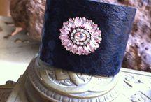 Leather bracelets / Bracelets I make with leather and vintage jewelry