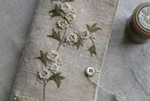 Embroidery and fibre inspiration / What's better than working with needle and thread? Be it bead embroidery, hand embroidery or just playing around with fabric manipulation. Here you'll find both eye candy and tutorials. Even some jewellery might pop up.