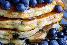 Breakfast Waffles/Pancakes/French Toast / by Tiffany Scarvie