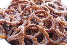 Desserts- Pretzels/Popcorn/Nuts / by Tiffany Scarvie