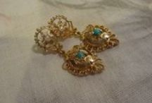 Letsplaytagsales / amazing buys of vintage jewelry and smalls.  My friend!  U will love her stuff!