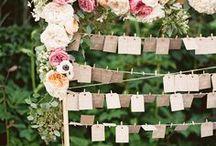 {Wedding} Escort Cards & Favors
