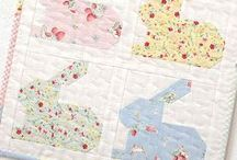 Mini Quilts / Mini Quilt Inspiration: fun, quick and easy to make quilting projects / schnell und einfach herzustellende Patchwork-Projekte  *** ellis & higgs - Patchwork, Quilting & Sewing: Patterns, DIY Tutorials, Ideas, Tips & Tricks / Patchwork Anleitungen, DIY Tutorials, Ideen, Tipps und Tricks ***