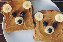 Kids Food Art / A whole lot of food art designs to make your kids smile, and hopefully eat their snacks. These incredible works of (food) art almost look too good to eat!