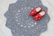 Crochet Rugs / Crochet doily diagrams for handmade rugs inspirations / by Malucaya