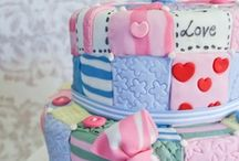 cakes.... / by Lynette Holbrook