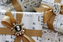 Bows, baubles and presents / how to wrap, hair bows, gift wrap,