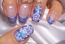 Creative Nails... Floral / by Artelsie