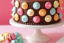 cakes, cupcakes, cake pops & cookie decorating / by Genevieve Easy