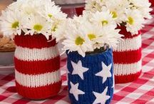Patriotic DIY Decorating Ideas / Celebrate Independence Day (4th of July) or Memorial Day with this fun mix of crafts! Decorate for a party or just have fun and be patriotic year-round.