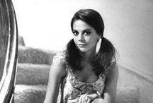 Natalie Wood / She's so captivating. / by Debi D❤️