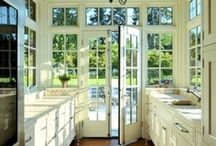 Kitchens / by Lisa Huckins