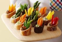 Hors d'oeuvres / Appetizers galore! / by Leah Purcell