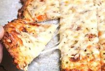 Pizza Recipes / Pizza & cheesy bread recipes which make our mouths water