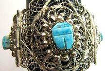 gorgeous bracelets / by Patricia Grant