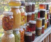 Wecken - Canning / Inmaken en wecken om fruit en andere voeding lang te kunnen bewaren.