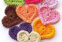 Iδέες: Βελονάκι / πατρόν, σχέδια, βελονάκι, granny squares, τερλίκια, παντόφλες, πλέξιμο με βελονάκι, κουβερτάκια, ρούχα, τσάντες, λουλούδια, σκουφί, σκουφάκι, σεμέν, σεμεδάκι, doilies, διακόσμηση, χαλί, μαξιλάρι, σπίτι, crochet, παιδί