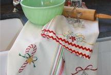 < Tea Towels >