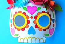 Day of the Dead - Dia de los Muertos / The Day of the Dead or Dia de los Muertos is a celebration of those who have passed. It's not a sad or morbid gathering – more a festive, family-centred celebration of friends and relatives no longer with us.  Party tips and decorations; Ofrenda, Games, Easy skull face paint tutorial, Pico de Gallo, Guacamole and Pan de Muerto recipes. Cocktails. Activity table, free printable food & drink signs, Non alcoholic party drinks, party advice, glossary, vocabulary ideas. What is Day of the Dead?