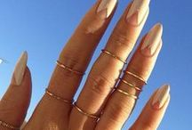 Accessorize!!! / Like a boss... Taking queues from Man Repeller's arm parties, Zoe Kravitz delicately tattoo'd and decorated fingers and iKrush's best accessories.