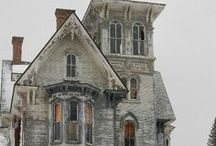 This Olde House~ / Old, old, old anything old and abandoned~ / by Giggles Pisano