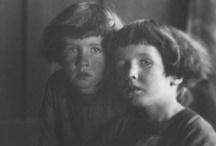 imogen cunningham / Imogen Cunningham (1883 – 1976) foi uma fotógrafa norte-americana conhecida pelas fotografias de botânica, nus e paisagens industriais.