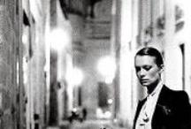 helmut newton / Helmut Newton (Berlim, 31 de outubro de 1920 — Los Angeles, 23 de janeiro de 2004), nascido Helmut Neustädter, foi um fotógrafo de moda alemão, naturalizado australiano, famoso por seus estudos de nus femininos.