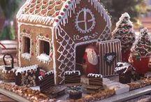 Merry Christmas / Il momento magico del Natale è riunirsi attorno al tavolo insieme a tutte le persone a cui si vuole bene. Per un momento tanto speciale bisogna condividere anche ricette speciali da preparare con amore e cura. Dall'antipasto al dolce ecco tante idee per portare a tavola delle ricette adatte ai vostri momenti di festa!