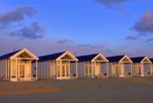 Kust strandhuisjes / Kleine vakantiehuisjes pal op het strand van Katwijk aan Zee