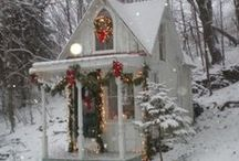 Tiny House Holidays / Small-space holiday decorating for tiny houses.