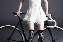 Vive le vélo en ville!  - Bike the city / by Prével Urbain