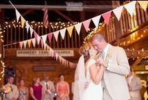 Smith Barn Wedding Photos / The Smith Barn is the best rustic wedding venue north of Boston.  With it's lovely red barn and warm pine timber framing and twinkle lights, this venue is the perfect spot for DIY and Anthropologie style planning brides out there!  We love this spot...