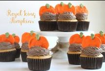 Fall Recipes & Ideas / Find any and all things fall related on this board! It's loaded with pumpkin spice recipes, apples, fall decorations and more! Grab your warm mug of tea and cozy up to this fun board!