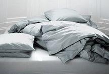 Bedrooms / by Nancy Cornelissen