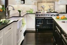 Kitchens / by Deette Kearns