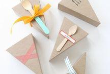Wrapping ideas / 贈り物もお召かしさせよう!