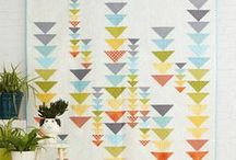 Quilting / Quilting Ideas and Modern Quilts. Lots of quilting tips, ideas, and FREE quilt patterns. Lots of small, beginner quilting projects.