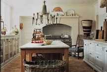 Kitchen Goals / Everyone know's the kitchen is the best space in any house. Get inspired to cook and create or just dream away...we're in kitchen heaven!