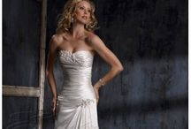 Wedding dresses / by Jenny Escobell