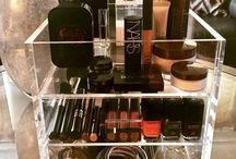 Our Acrylic Makeup Organizers| Cosmetics Organizers / From premimum acrylic makeup organizers to makeup brushes and more... We are here to help you with makeup organization.