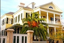 Federal Style Homes / Federal-style architecture is the name for the classicizing architecture built in North America between c. 1780 and 1830, and particularly from 1785 to 1815. / by R. Xavier De La Vega