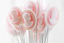 Cake pops and lollipops !!! / by Zoe Smith
