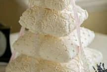 Wedding Cakes and Groom's Cakes / Wedding Cakes