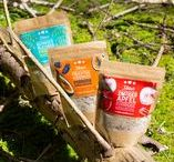 3Bears Porridge / 3Bears Porridge ist genau richtig. Unsere fruchtigen Sorten haben 30% Fruchtanteil und einen kernigen Biss.  Oatmeal, vegan breakfast, clean eating, vegan porridge